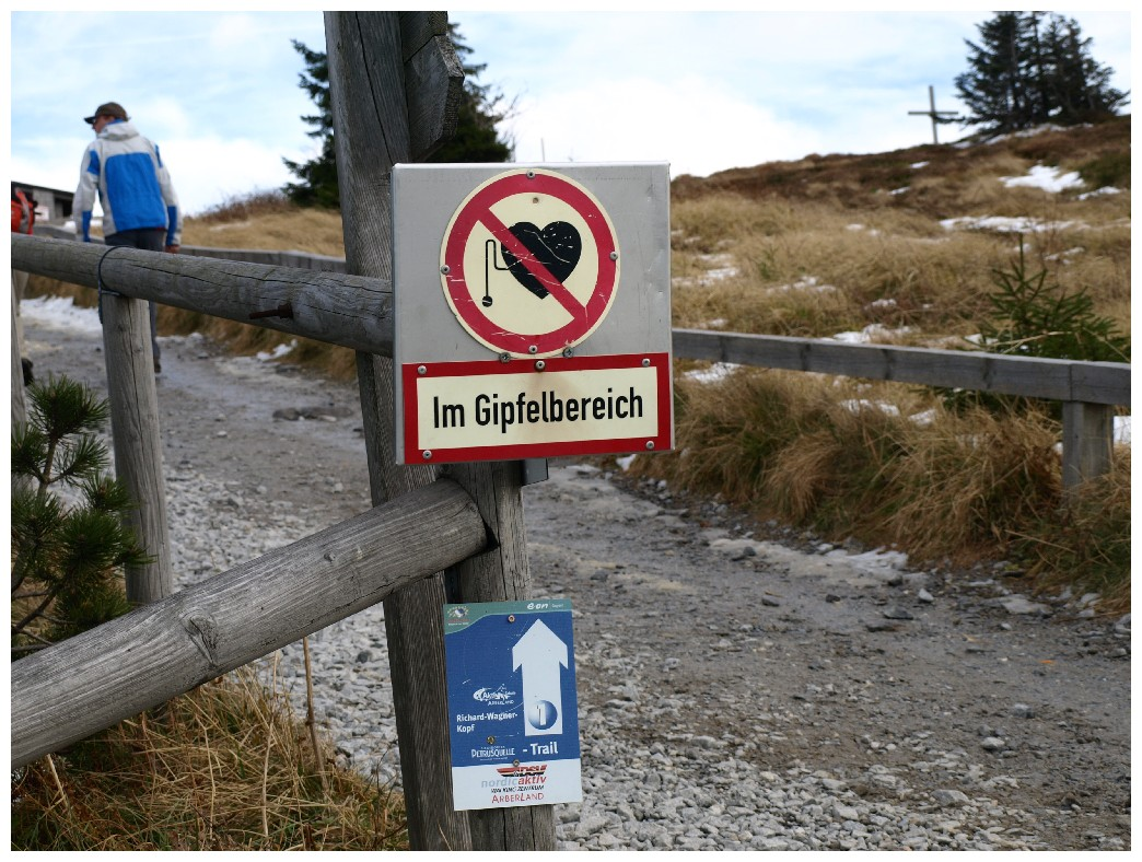 http://www.bayerwaldwandern.de/oktober10/31oktober10_13.jpg