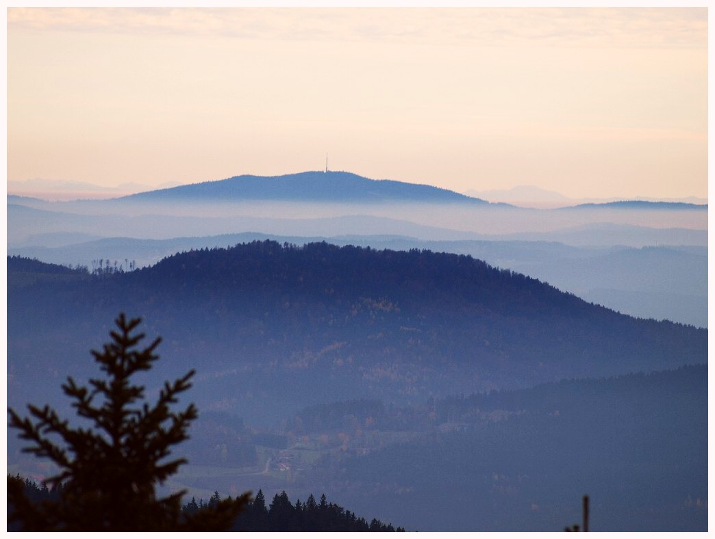 http://www.bayerwaldwandern.de/oktober11/30okt11_09.jpg